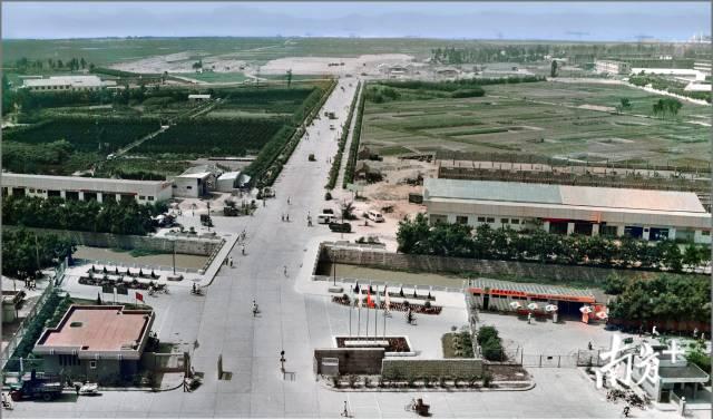 1984年,汕头迎宾路,两旁是大片农田。